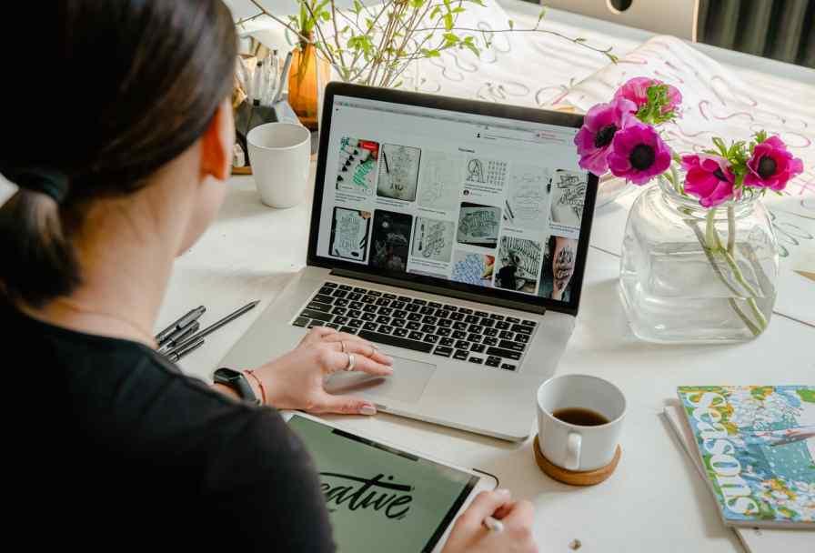Sell Digital Products earn money instagram